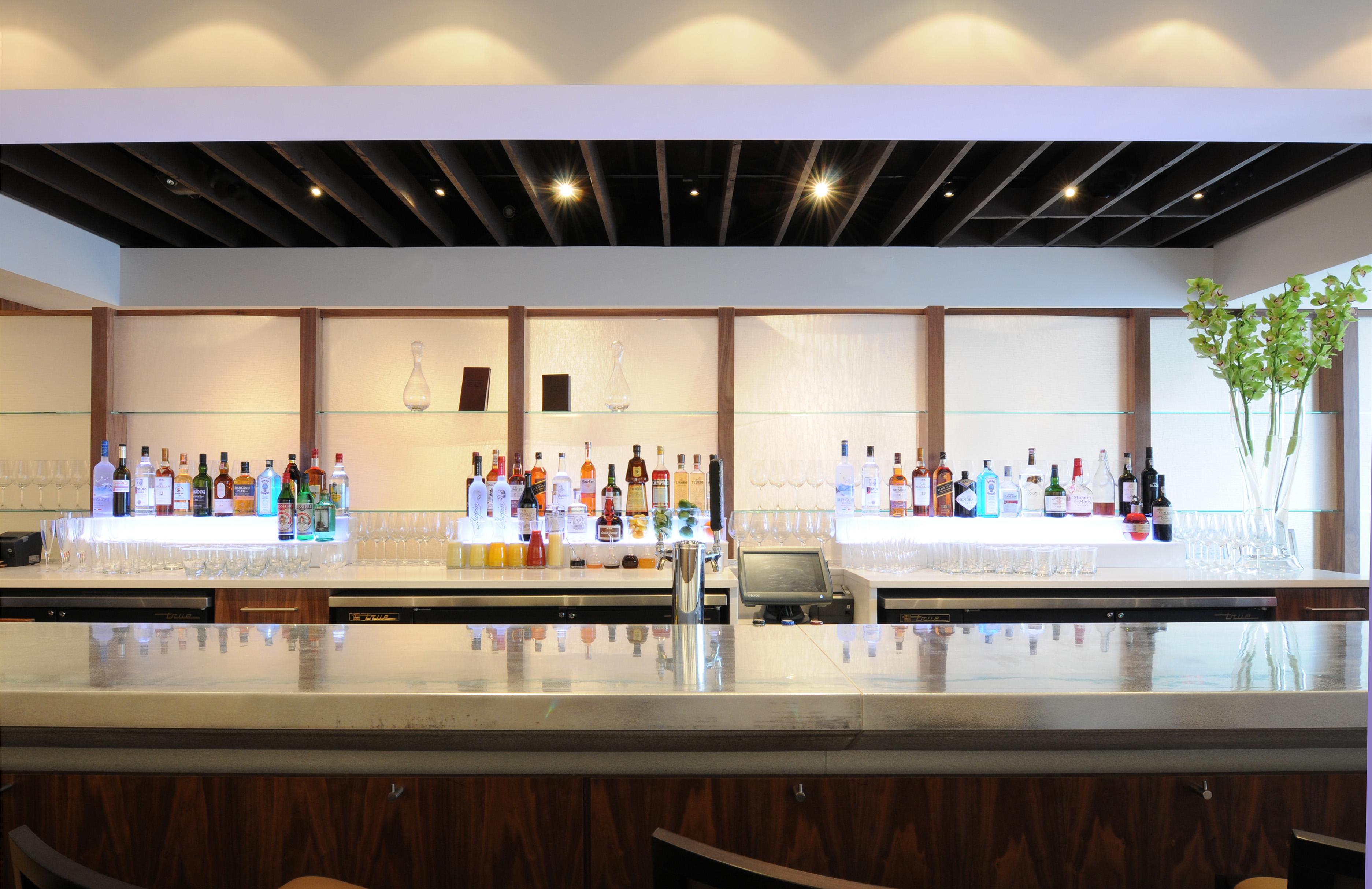 Elm Bar 3